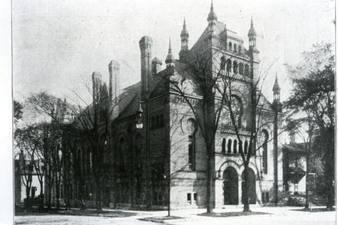 Temple B'ne Jeshurun hosted early classes of the Settlement in its basement. The building has since been demolished. Photo courtesy of the Jewish Museum Milwaukee