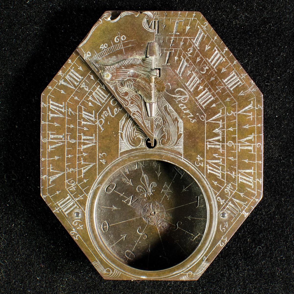 le maire sundial compass