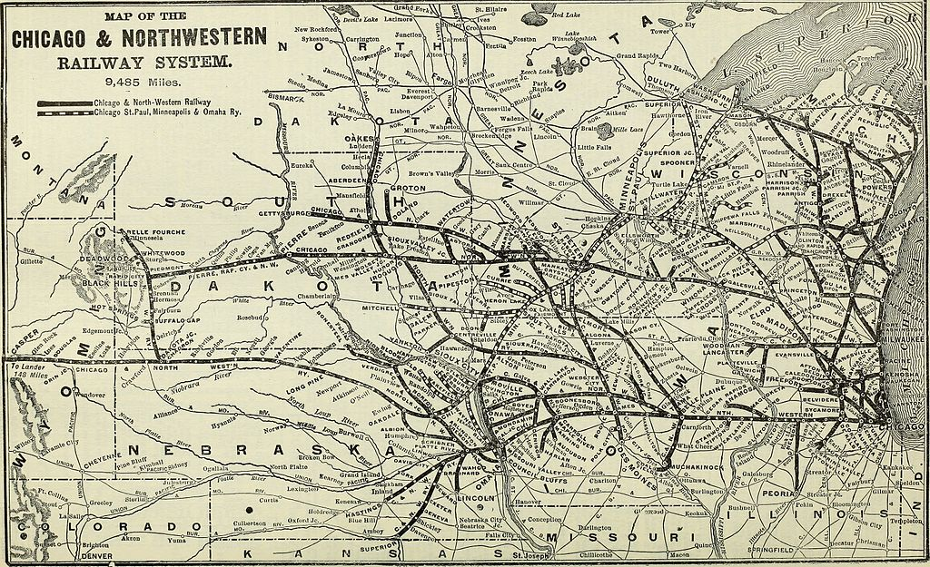A map showing the routes for the Great Northern Railroad across Wisconsin, Iowa, and Minnesota